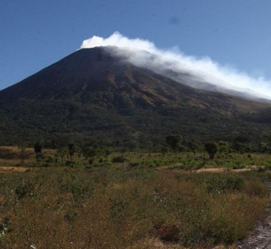 January 06 , 2019. EN. El Salvador : San Miguel ( Chaparrastique ) , Indonésia : Anak Krakatau , Guatemala : Fuego , Indonesia : Merapi , United-Sates : Yellowstone .