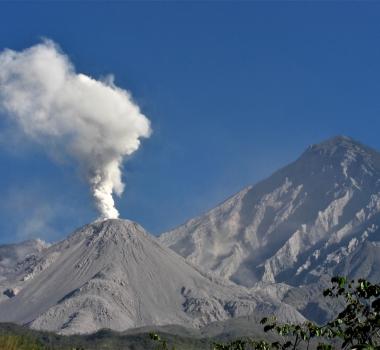 June 21, 2019. EN. Guatemala : Santiaguito , Japan : Aira (Sakurajima) , Colombia : Nevado del Ruiz , Indonesia : Sangeang Api .