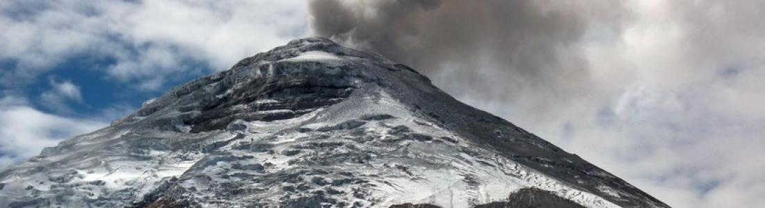 November 09,  2015.  EN. Etna, Rinjani, Cotopaxi .