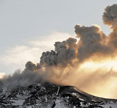 November 08 ,  2018. EN.  Chile : Planchon Peteroa , Chile : Nevados de Chillan , Italy/ Sicily : Etna , Indonesia : Merapi .