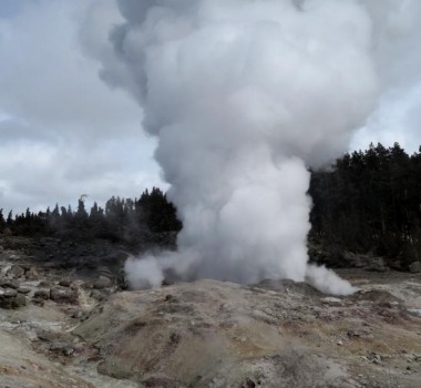 December 03, 2019 . EN . La Reunion : Piton de la Fournaise , Peru : Ubinas , Peru : Sabancaya , United States : Yellowstone , New Zealand : White Island .