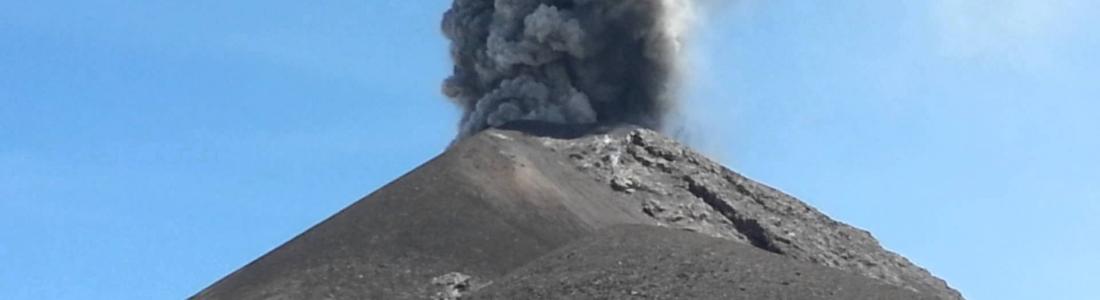22/12/2015. FR. Nevado Del Ruiz , Fuego, Sinabung .