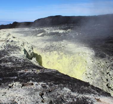 October 05 , 2019. EN. Hawaii : Mauna Loa , Kamchatka : Sheveluch , Mexico : Colima , Indonesia : Merapi , El Salvador : San Miguel (Chaparrastique) .