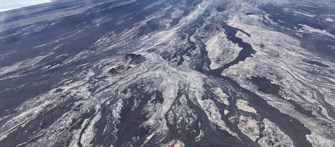 01 Novembre 2019. FR . Alaska : Shishaldin , Hawaii : Mauna Loa , Colombie : Cumbal , Kamchatka : Klyuchevskoy .