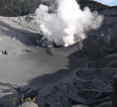 September 02 , 2019. EN. Indonesia : Tangkuban Parahu , Mexico : Popocatepetl , Italy : Stromboli , Ecuador : Reventador , Alaska : Cleveland .