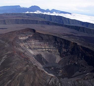 March 31 , 2018. EN. Piton de la Fournaise , Cleveland , Galeras , Mud Volcano «Ayrantokan» , Cascade Range Volcanoes .