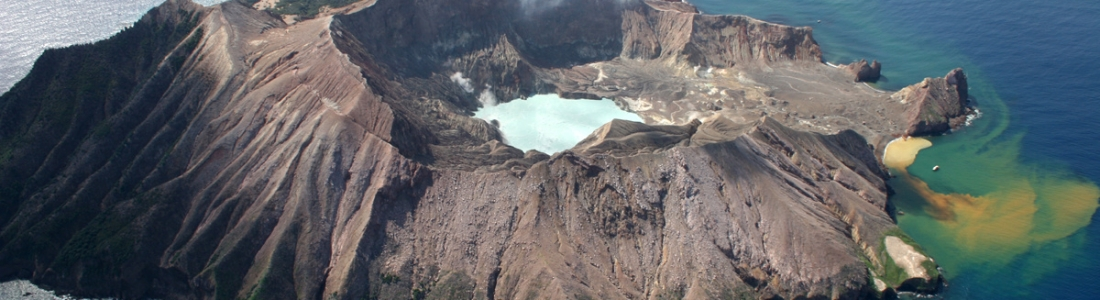 18 Novembre 2019. FR. Japon : Shimmoedake , Nouvelle Zélande : White Island , Guatemala : Fuego , Alaska : Shishaldin .