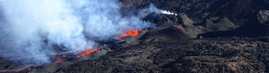 April 28 , 2018. EN.   Piton de la Fournaise , Update 9h30.