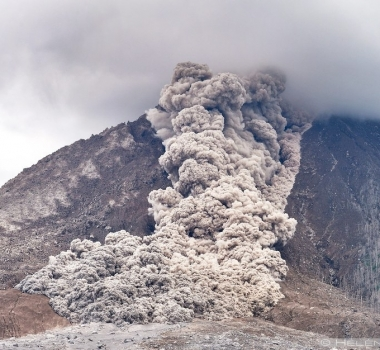 August 28 , 2016. EN.  Nevado del Ruiz , Popocatepetl , Mauna Loa ,  Sinabung .