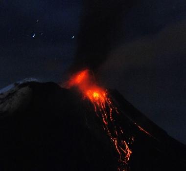 November 20, 2015. EN. Sinabung, Tungurahua, Popocatepetl .