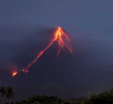 March 02 , 2018. EN .  Piton de la Fournaise , Mayon , Shinmoedake , Sinabung , California Volcanoes .