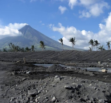 March 14 , 2019.  EN.   Indonesia : Karangetang , Philippines : Mayon , Colombia : Nevado del Ruiz , Japan : Suwanosejima .