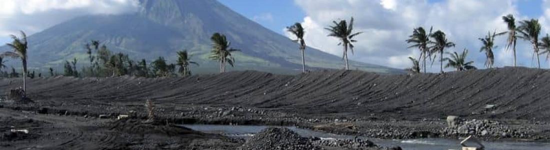 28 Novembre 2018. FR.  Colombie : Chiles / Cerro Negro ,  Alaska : Veniaminof , Philippines : Mayon , Hawaii : Kilauea , Indonésie : Karangetang .