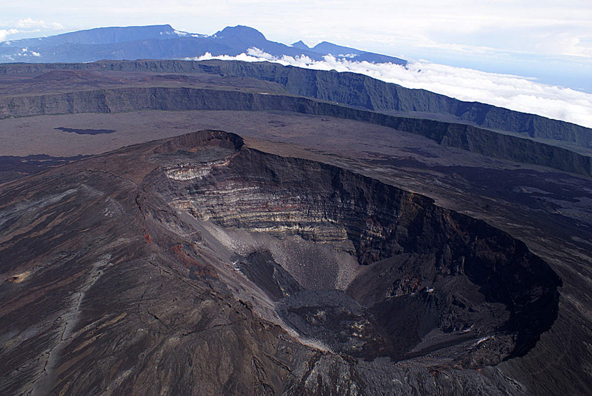 July 07, 2015. English . Piton de la Fournaise , Nishinoshima, Soufrière Hills .