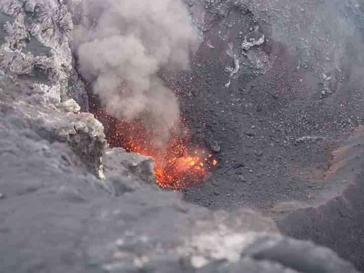October 28, 2015. EN. Etna, Nevado Del Ruiz, Fuego.