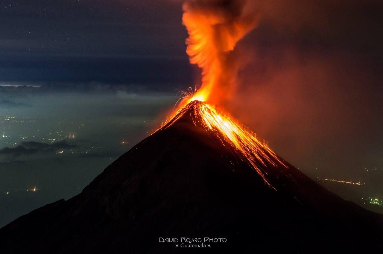 December 17, 2015.  EN.   Fuego, Momotombo, Egon.