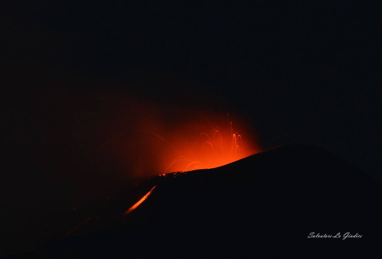 24/05/2016. FR. Etna , Turrialba , Fuego , Mauna Loa .