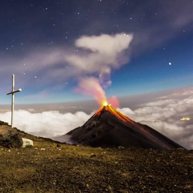 May 23 , 2016. EN. Sinabung , Nevado Del Ruiz , Fuego , Santiaguito .