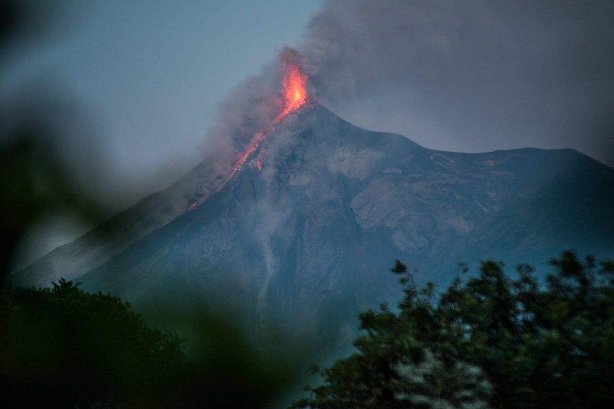 26/06/2016. FR.  Turrialba , Fuego , Chaparrastique ( San Miguel) .