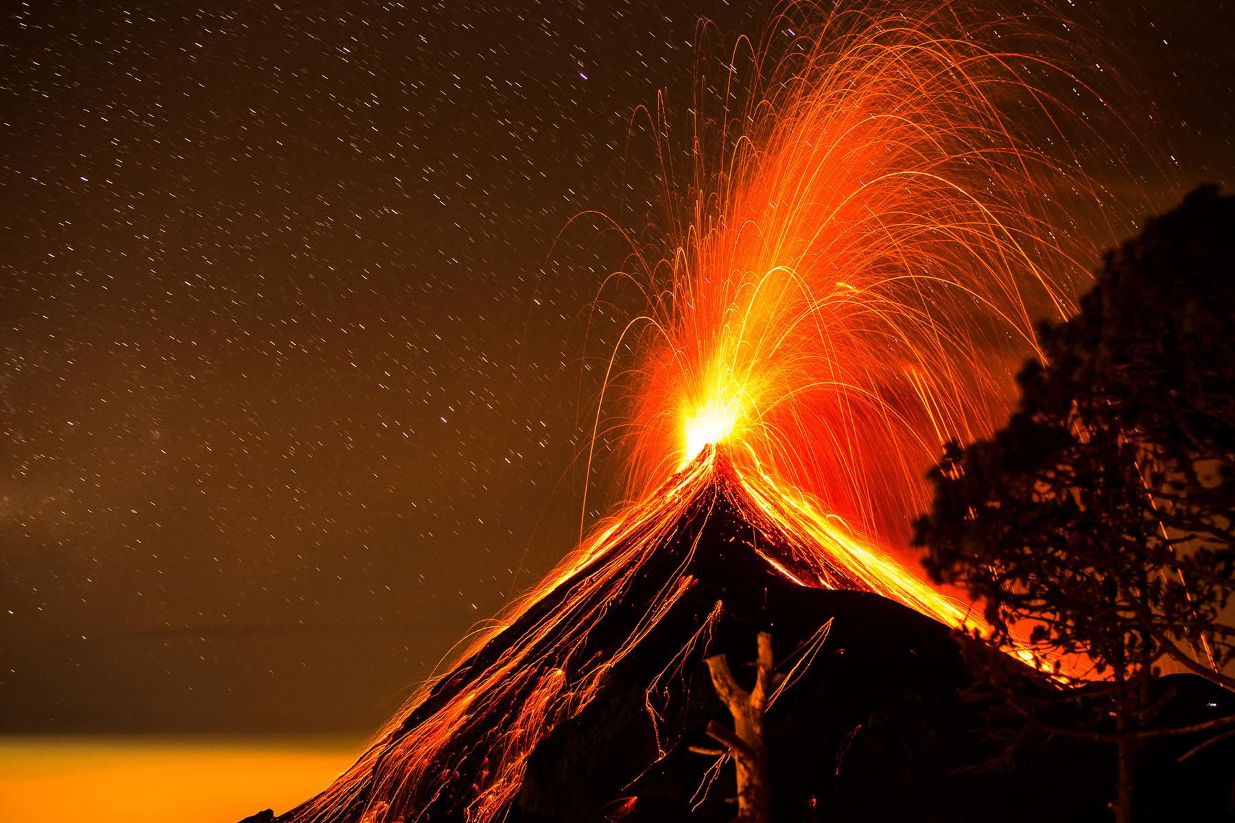 June 23 , 2016. EN.  Bulusan , Fuego , Nevado Del Ruiz , Awu .