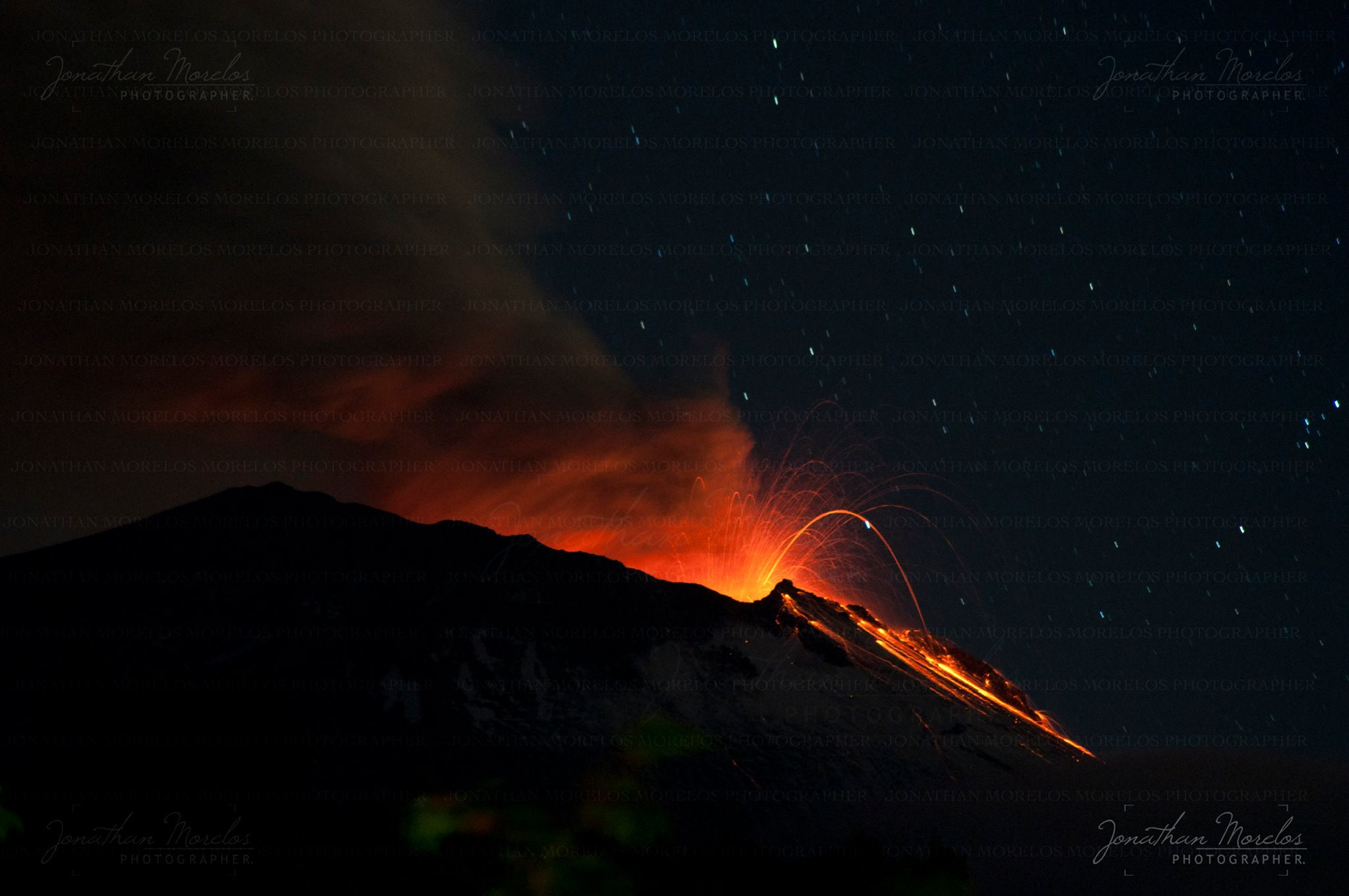 August 03 , 2016. EN.  Gamalama , Brava Island , Fuego de Colima , Popocatepetl .