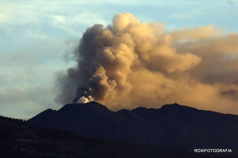 06 Octobre , 2016. FR. Turrialba , Bulusan , Guagua Pichincha , Volcans de Californie .