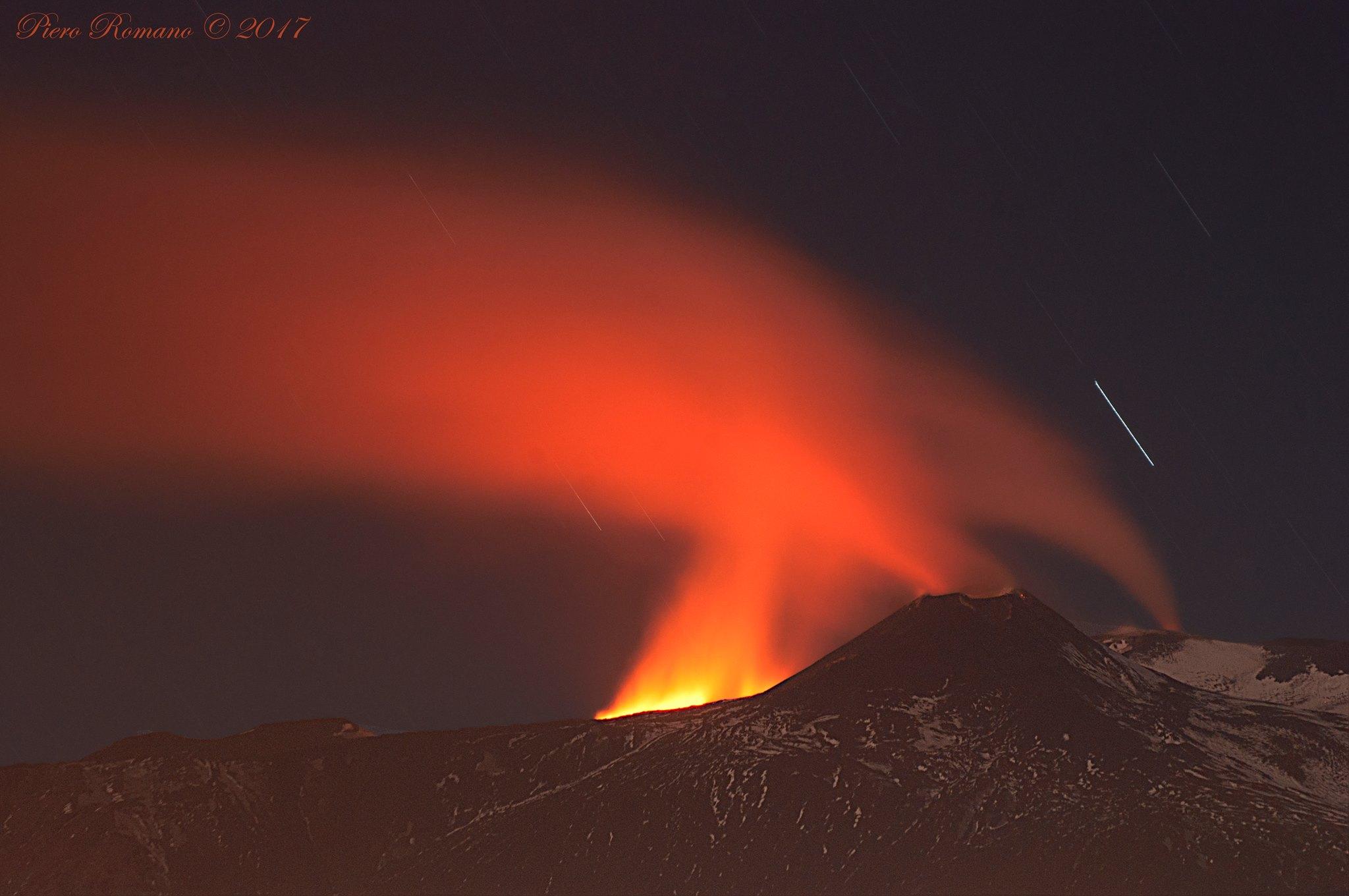 April 15 , 2017. EN.  Etna , Poas , Nevado Del Ruiz , Kilauea , Dukono .