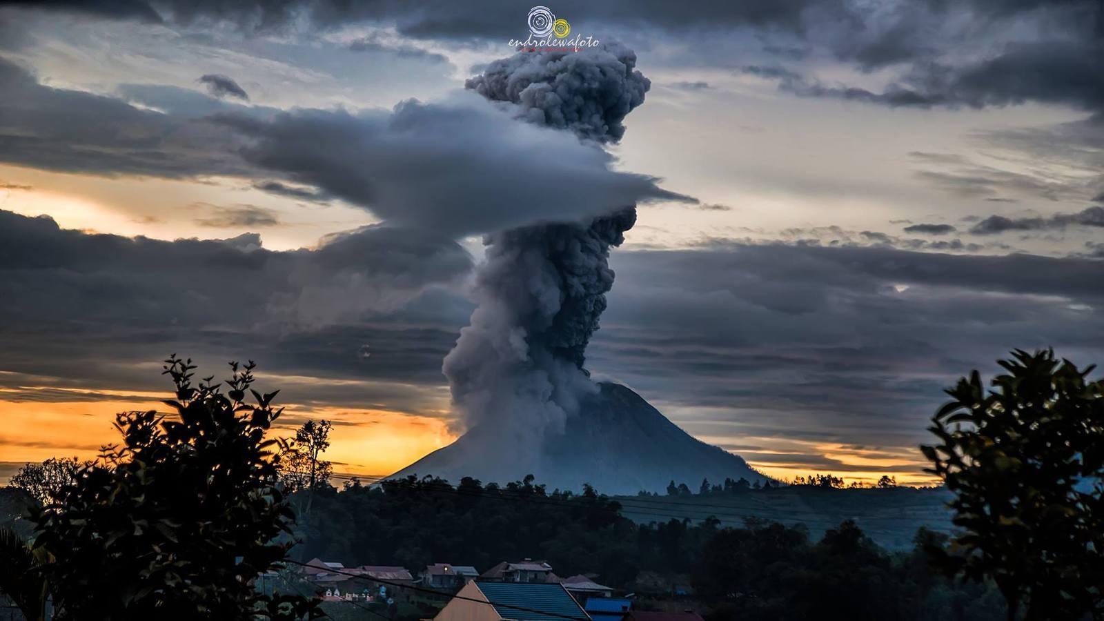May 26 , 2017.  EN. Sinabung , Poas , Turrialba , Reventador , Mauna Loa .