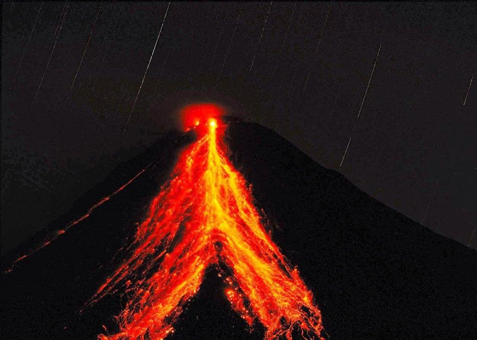 June 06 , 2017. EN. Bogoslof , Fuego , Aira ( Sakurajima) , Bulusan .