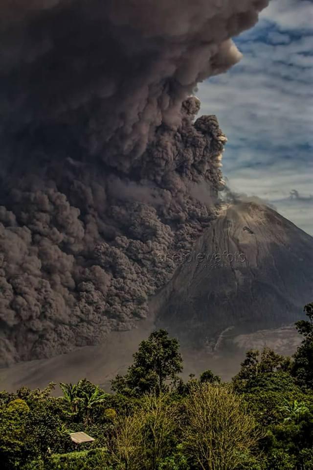 August 10 , 2017. EN . Piton de la Fournaise , Sinabung , Descabezado Grande , Poas , Turrialba , Rincon de la Vieja .