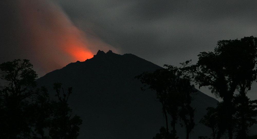 June 17, 2019. EN . Philippines : Taal , El Salvador : San Miguel (Chaparrastique) , Ecuador : Reventador , Indonesia : Sinabung .