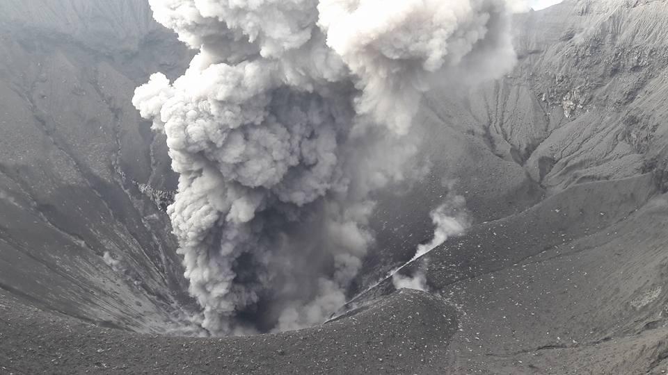 29 Décembre 2017. FR . Dukono , Sinabung , Nevado Del Huilà , Santiaguito .