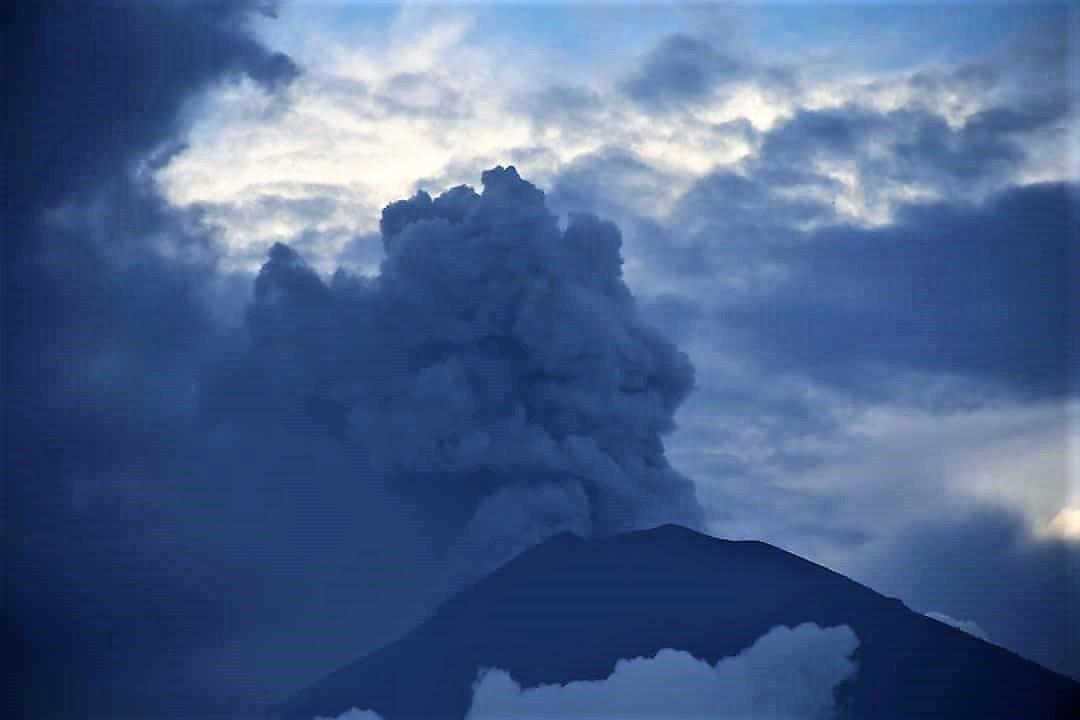 26 Novembre 2017. FR. Agung , Ruapehu , Sierra Negra , Popocatepetl .