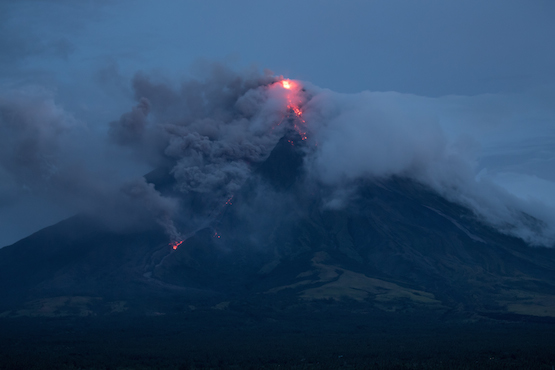 January 20 , 2018 . EN.  Agung , Mayon , Nevados de Chillan , Ebeko .