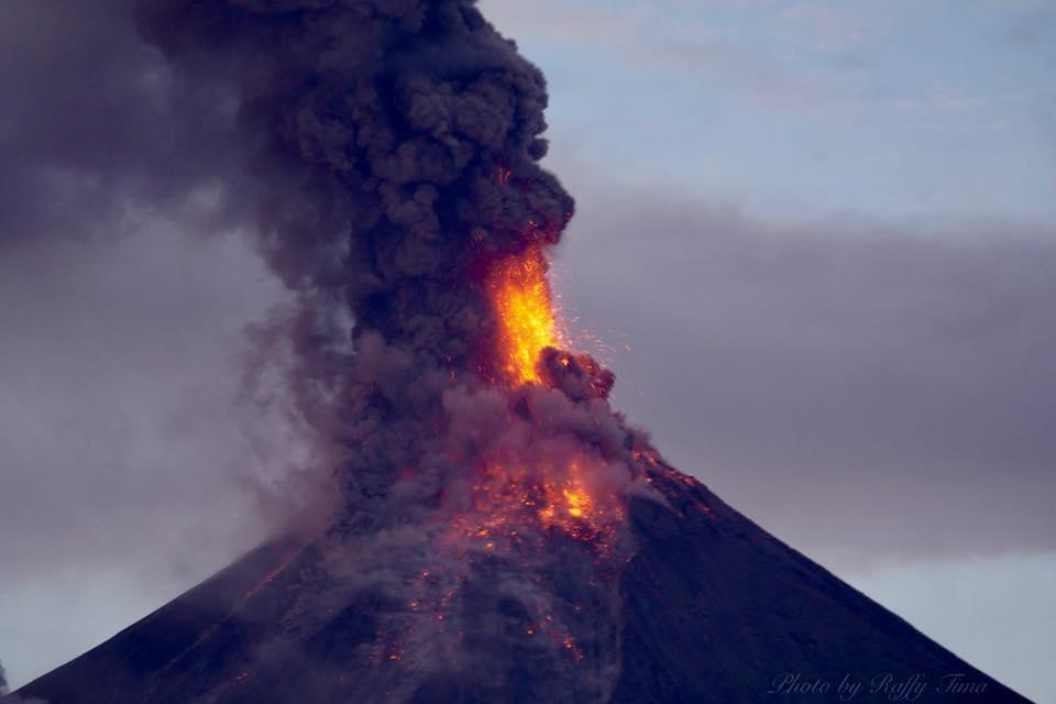 24 Janvier 2018. FR . Mayon , Cumbal , Sinabung , San Miguel ( Chaparrastique ) .