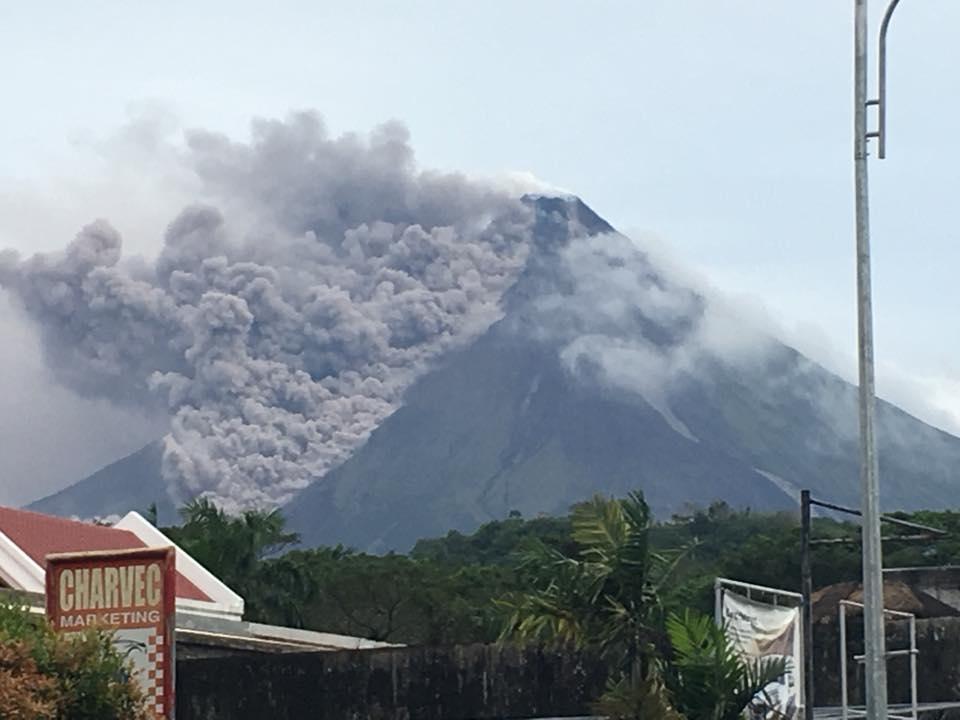 17 Janvier 2018. FR. Mayon , Cumbal , Kadovar , Ubinas , Ticsani .