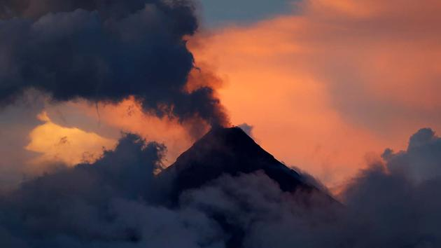 31 Janvier 2018. FR. Mayon , Zao , Popocatepetl , Galeras , Ile de Gaua .