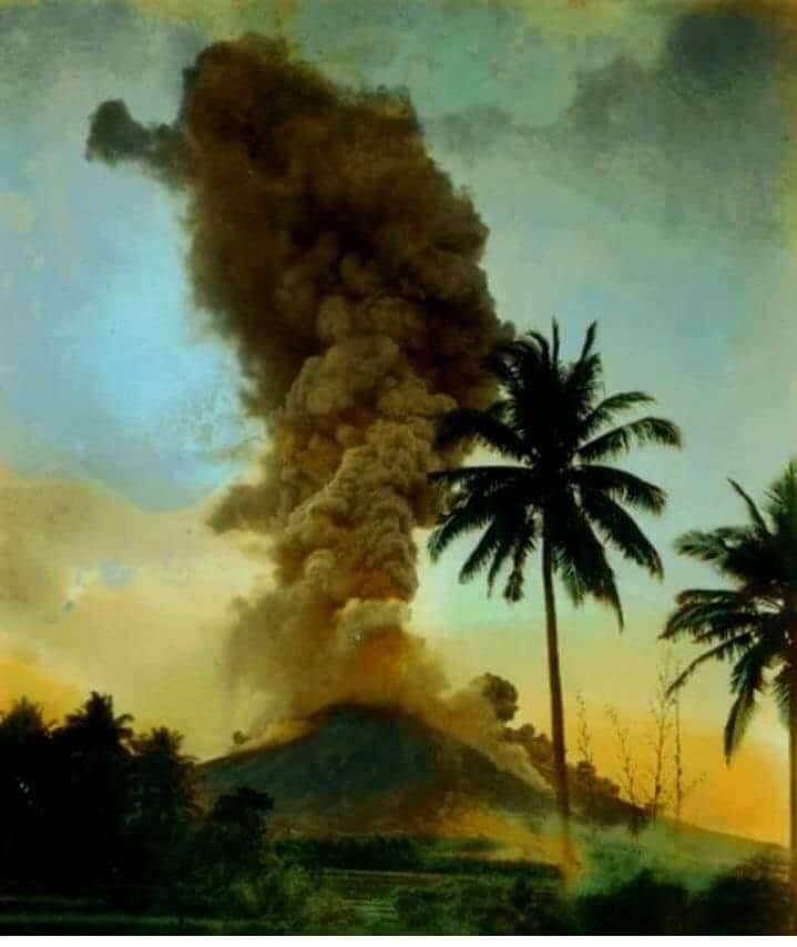 14 Janvier 2018 . FR . Mayon , Kilauea , Dukono , Piton de la Fournaise .