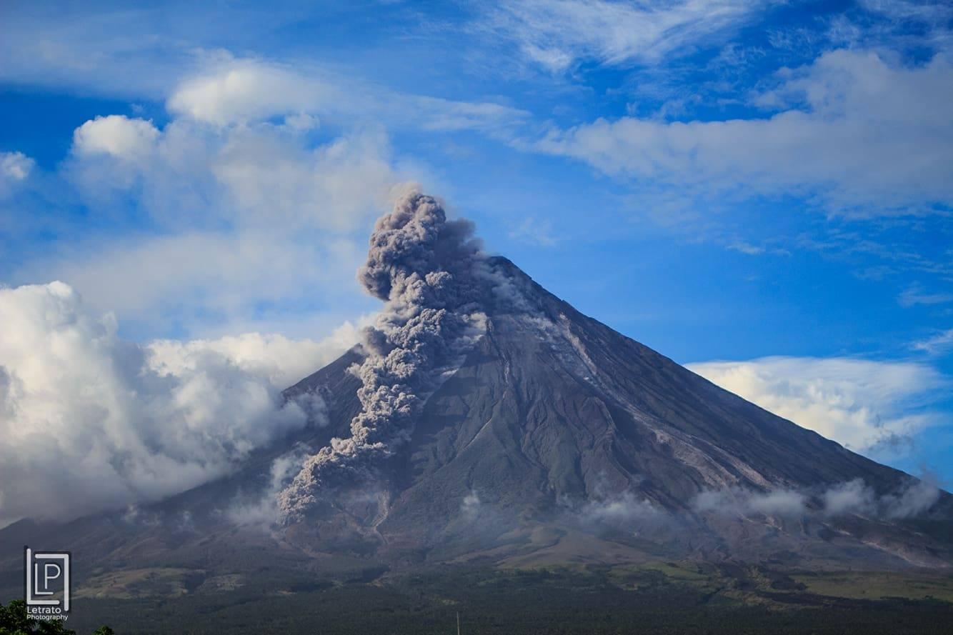 11 Fevrier 2018. FR . Mayon , Agung , Guagua Pichincha , Turrialba , Poas , Rincon de la Vieja .