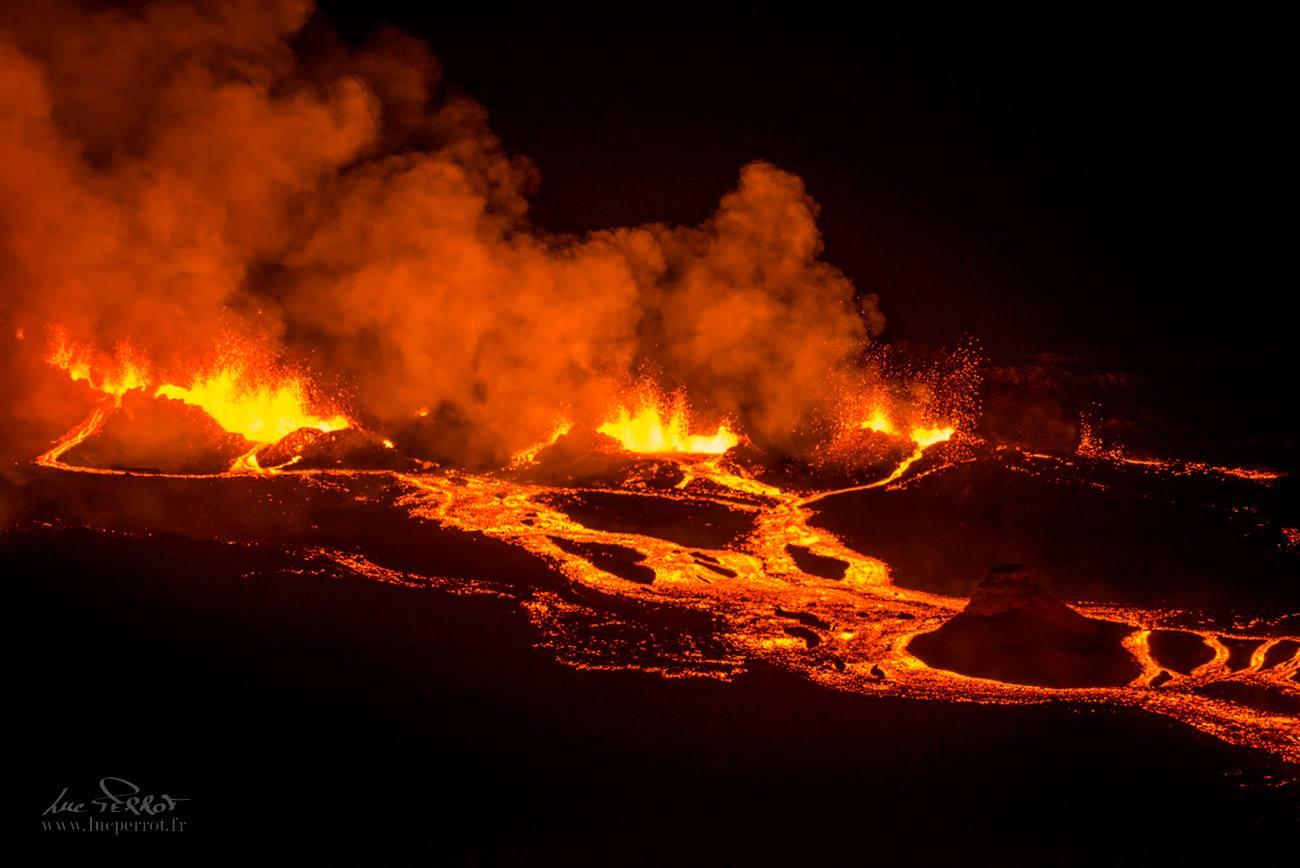 29 Avril 2018. FR. Piton de la Fournaise , Kilauea , Karymsky , Pacaya , Yellowstone .