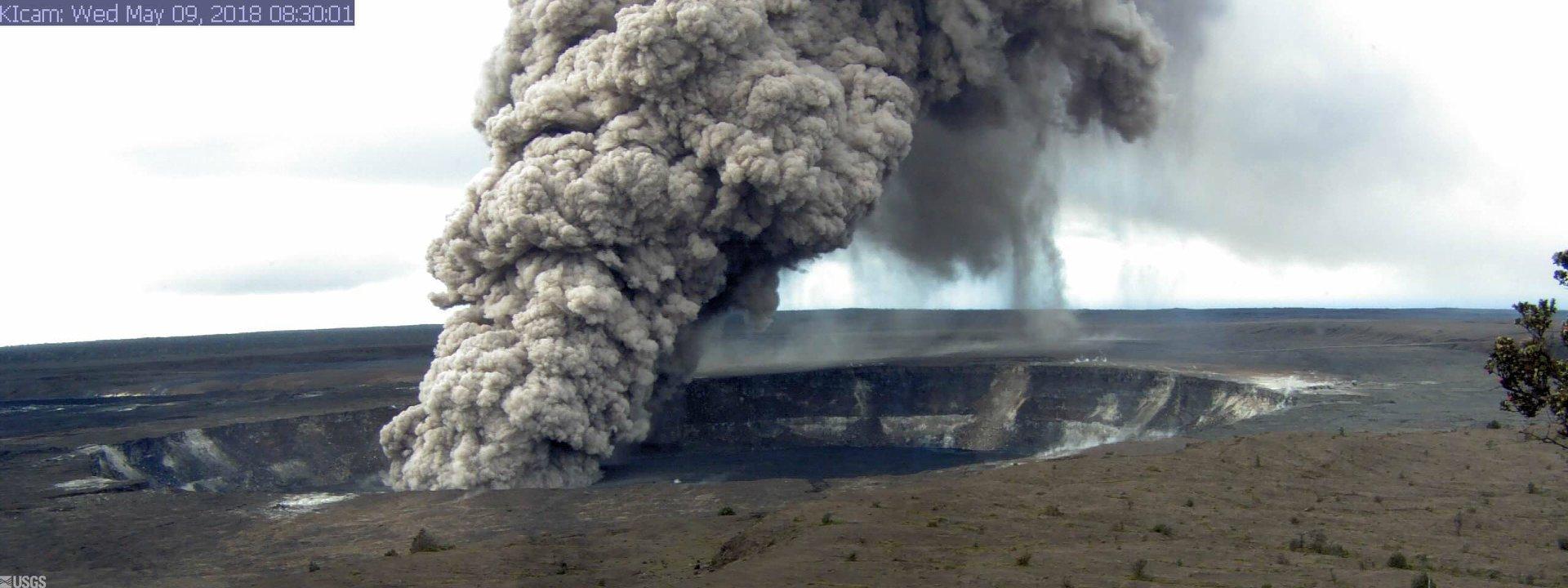 10 Mai  2018. FR.  Pu'u 'Ō'ō / Kilauea , Copahue , Piton de la Fournaise , Sangeangapi  .