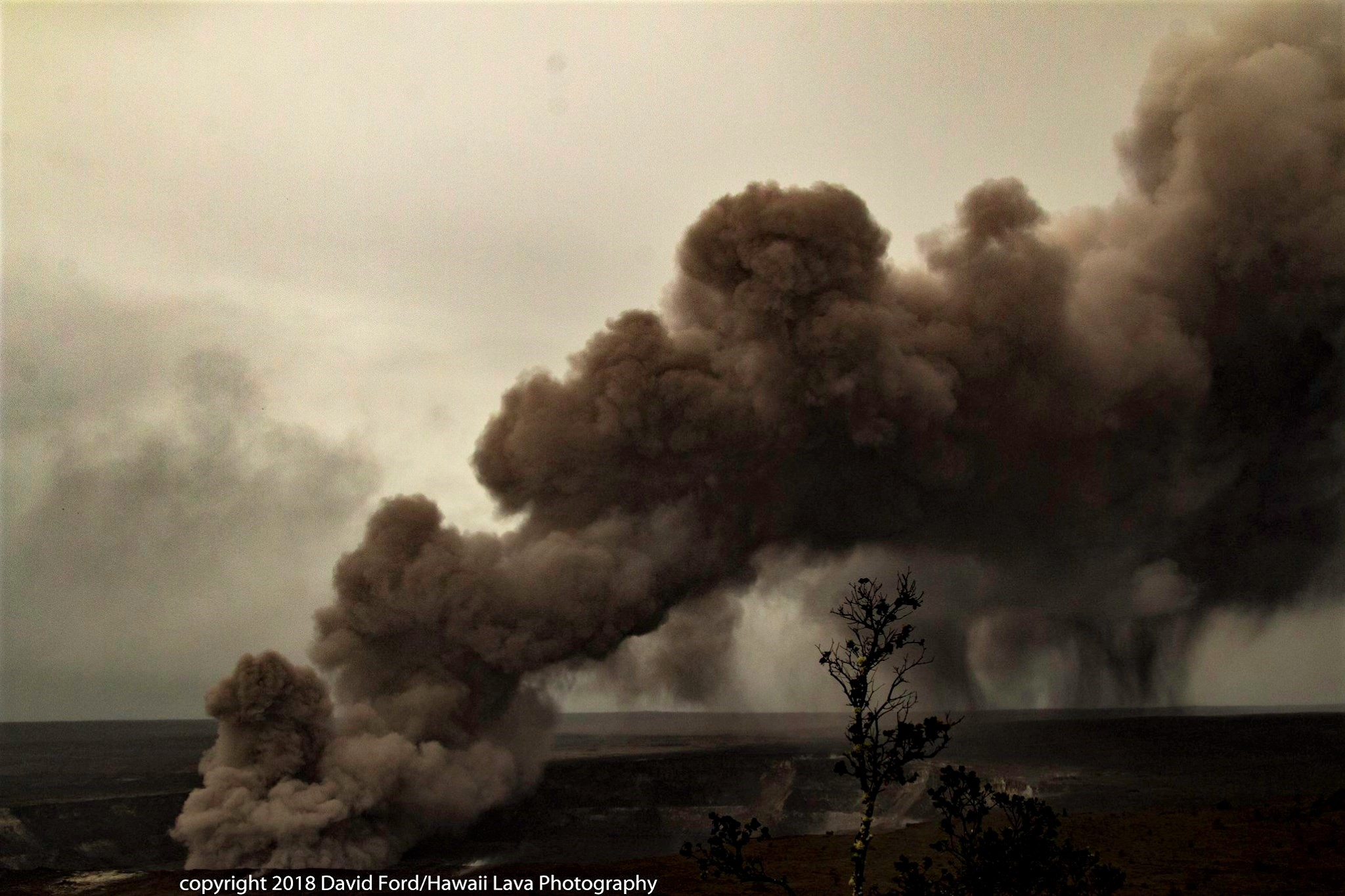 May 12 ,  2018. EN.  Pu'u 'Ō'ō /  Kilauea , Merapi , Piton de la Fournaise , Ebeko , Chiles / Cerro Negro .