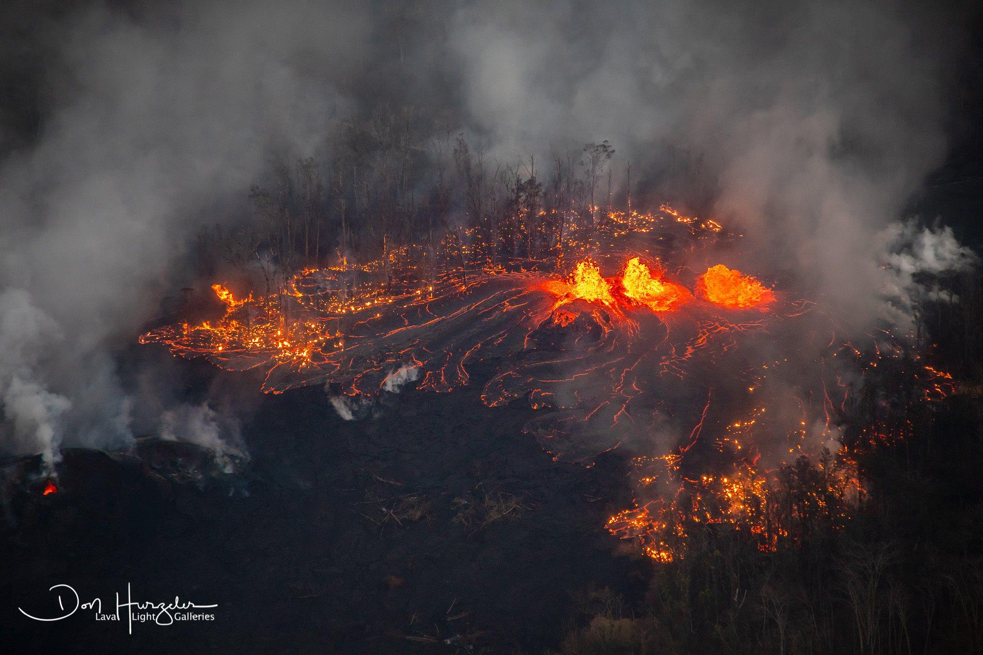 May 29 ,  2018.  EN.  Pu'u 'Ō'ō / Kilauea , Reventador , Sabancaya , Agung , Piton de la Fournaise .