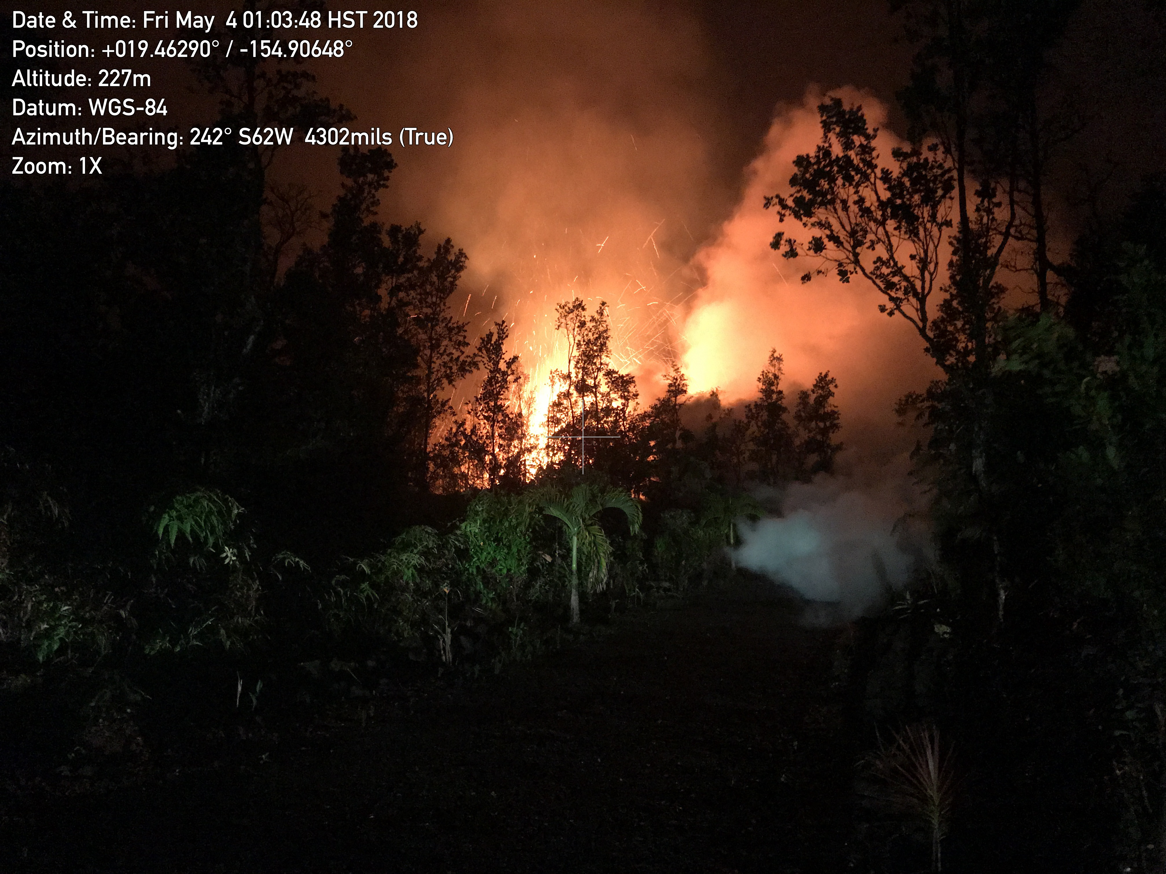 May 05 ,  2018.  EN .  Pu'u 'Ō'ō / Kilauea , Piton de la Fournaise , Sheveluvh , Pacaya .