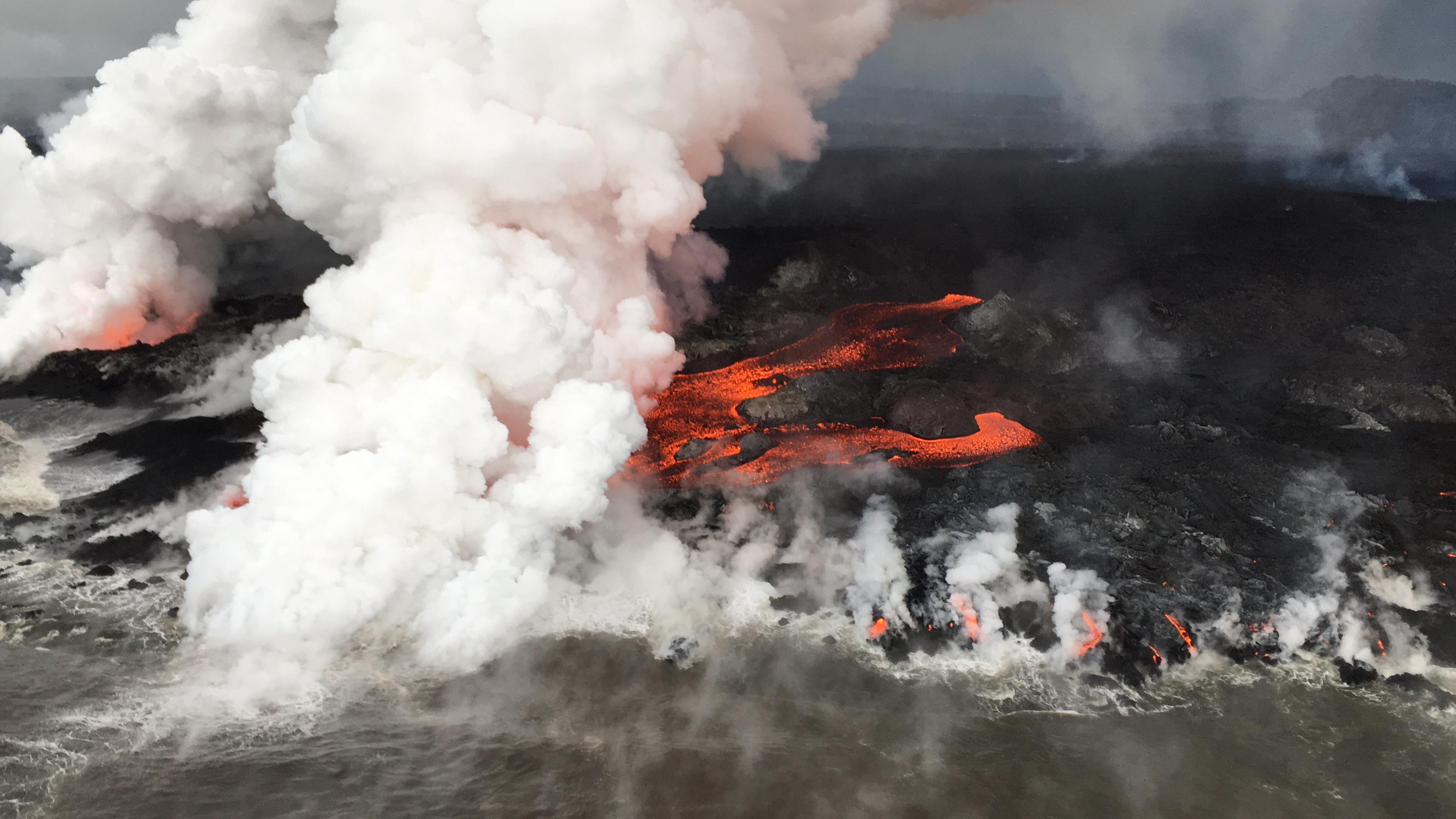 June 15 , 2018.  EN.  Hawai : Pu'u 'Ō'ō / Kilauea , Colombia : Galeras , Kamchatka : Karymsky , Indonesia : Sinabung .