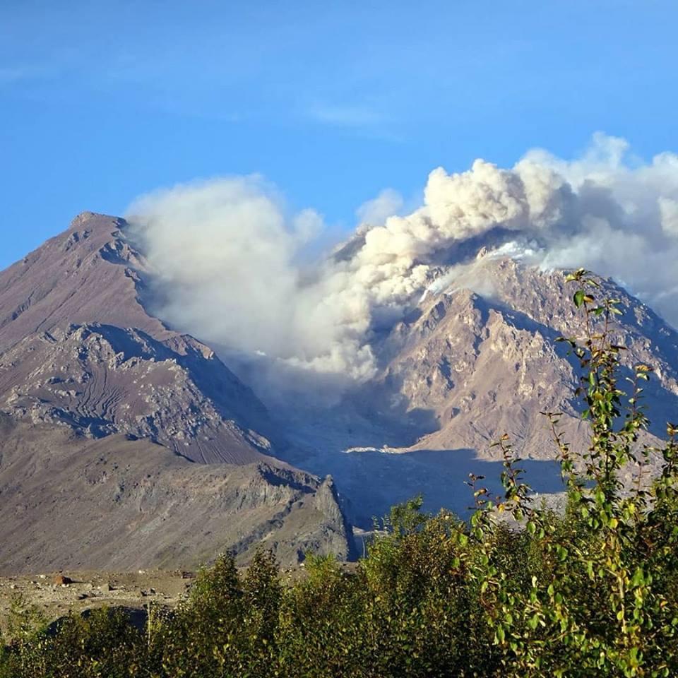 July 27 , 2018.  EN.   La Réunion : Piton de la Fournaise , Chile : Lascar , Hawai : Kilauea , Kamchatka : Sheveluch .