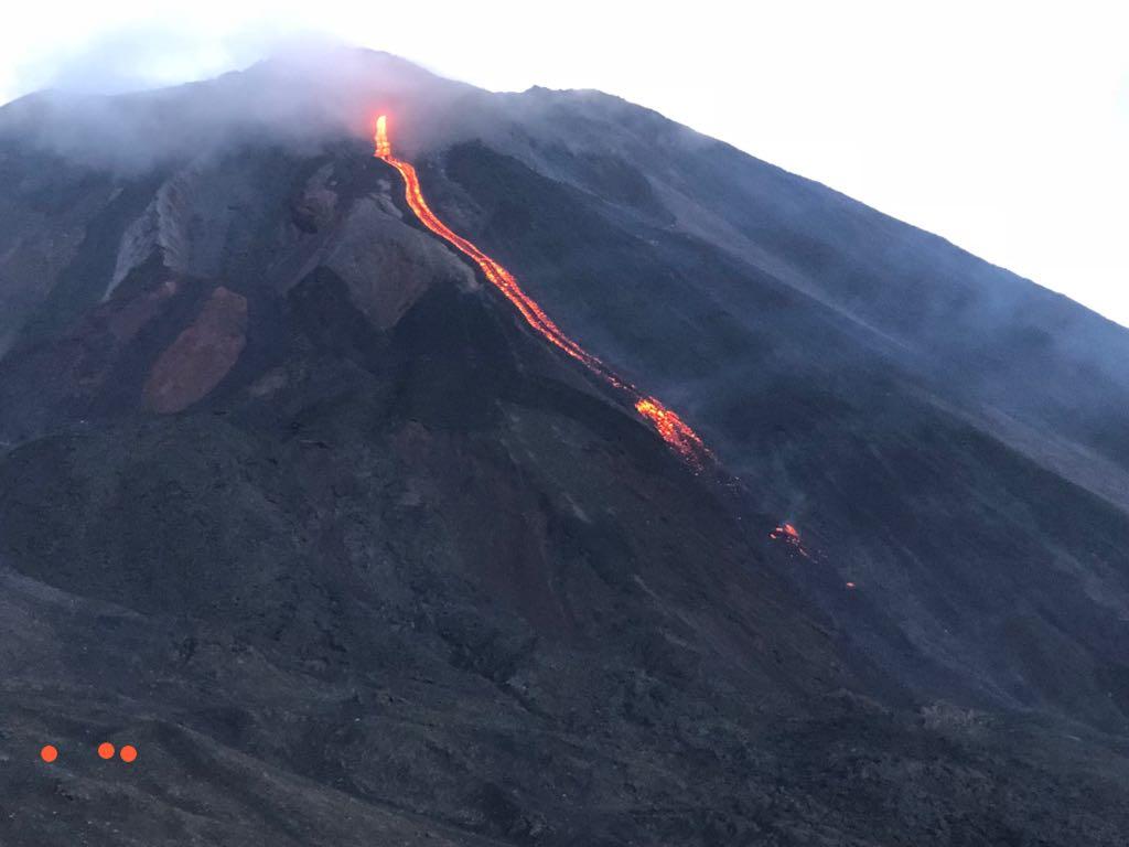 June 18, 2019. EN. Guatemala : Pacaya , United States : Crater Lake , Costa Rica : Turrialba / Poas , Italy : Campi Flegrei .