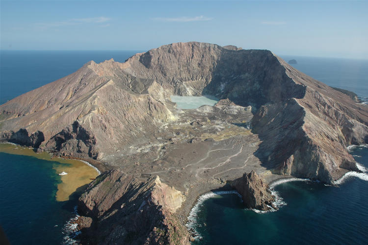 November 25, 2019. EN. New Zealand : White Island , Italy : Campi Flegrei , Chile : Nevados of Chillan , Mexico : Popocatepetl .