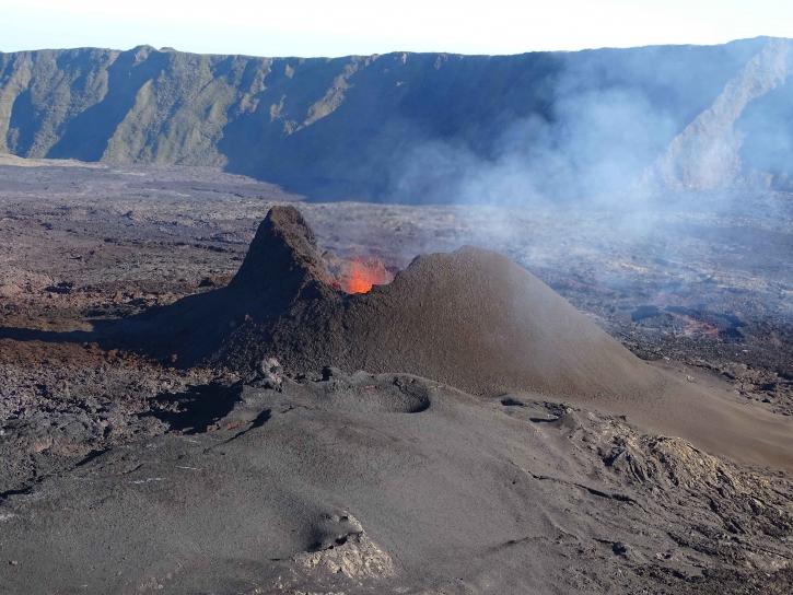 22 Septembre 2018. FR . Mexique : Popocatepetl , La Réunion : Piton de la Fournaise , Indonésie : Mérapi , Alaska : Veniaminof , Indonésie : Anak Krakatau .