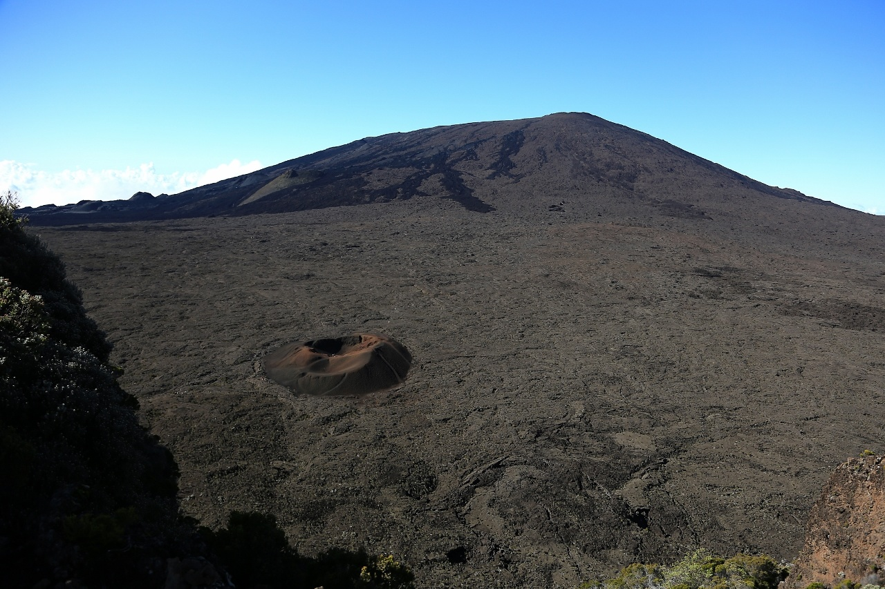 17 Fevrier 2019 . FR . La Réunion : Piton de la Fournaise , Mise à jour 17h15.